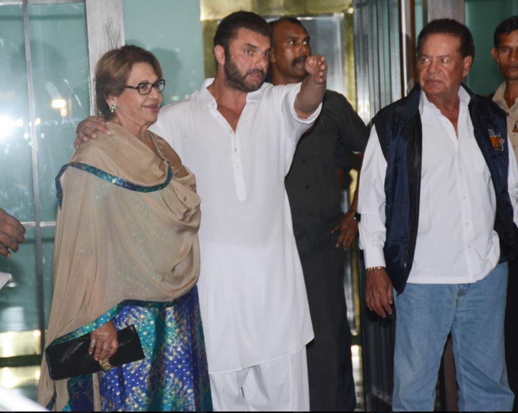 Bollywood: SRK, Shilpa, Katrina dress up for Salman Khan's sister's Diwali party!