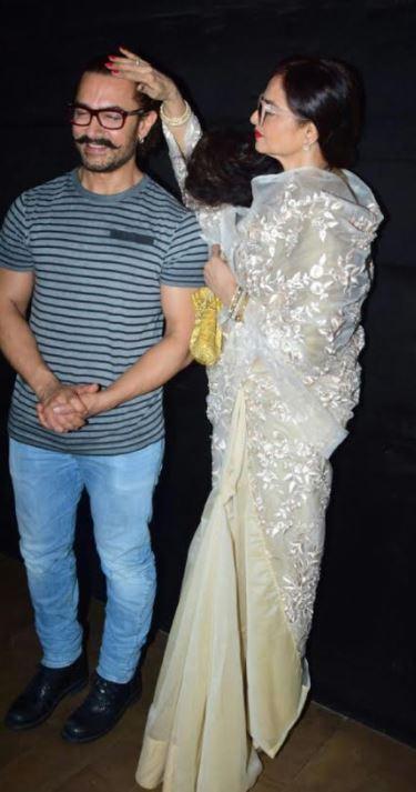 Bollywood: Rekha gets a little too handsy at the screening of Aamir Khan's 'Secret Superstar'