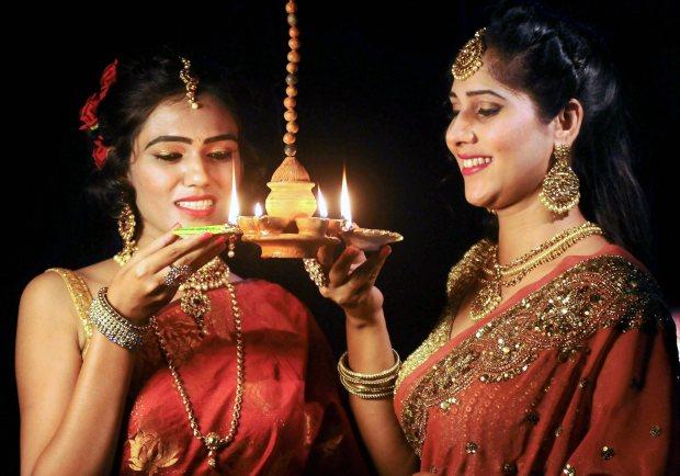 World News: PHOTOS: Diwali 'Festival of Lights' celebration around the world