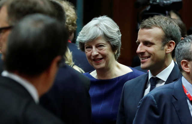 Macron says UK still 'a long way off' on Brexit bill