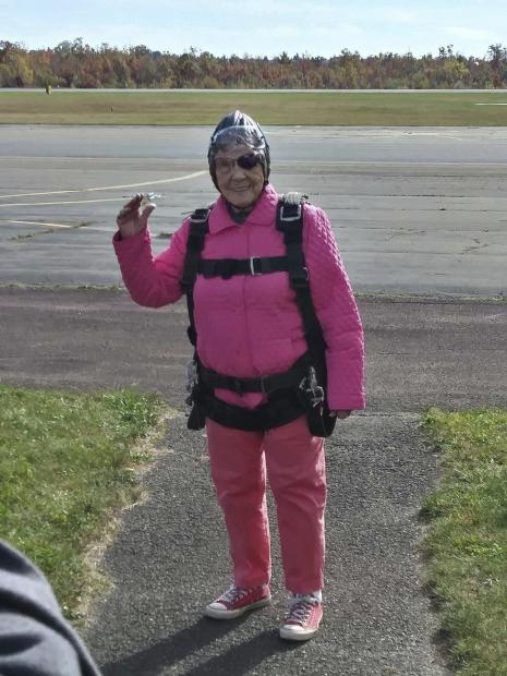 US: Pennsylvania woman celebrates 94th birthday by skydiving