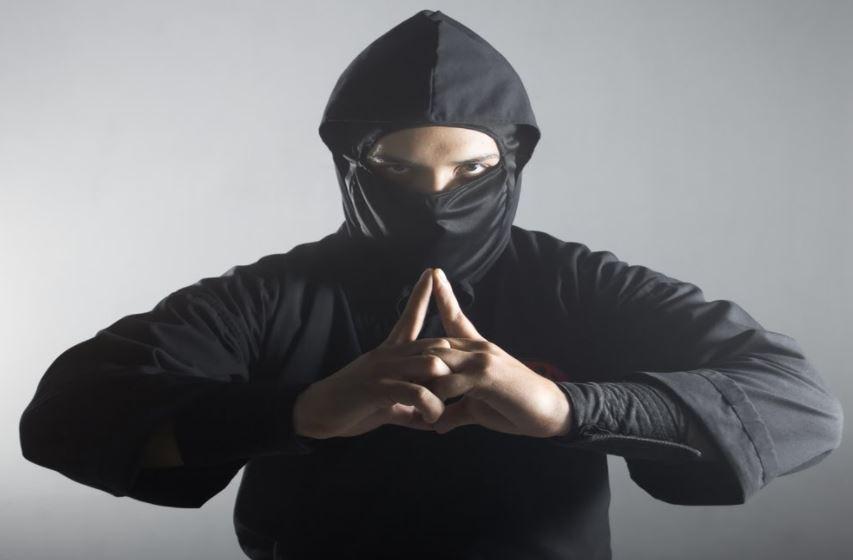 Japan: Police unmask 74-year-old 'ninja' burglar