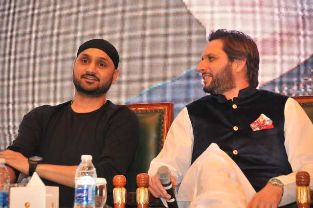 Photo Gallery: More than 400 guests attended to meet cricket legends Shahid Afridi and Harbhajan Singh