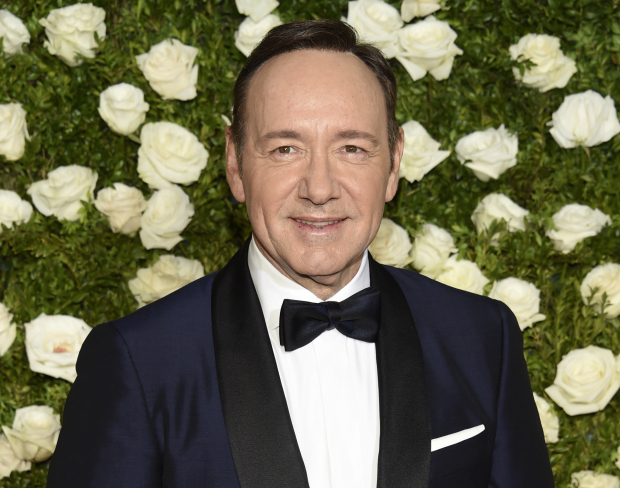 Kevin Spacey comes out as gay, apologises after misconduct accusation