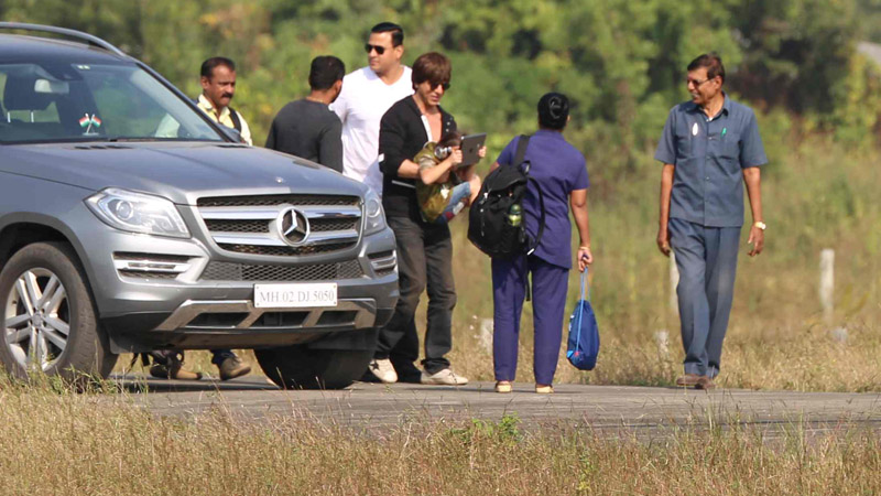 Bollywood: IN PICTURES: Celebrities return after attending Shah Rukh Khan's birthday bash