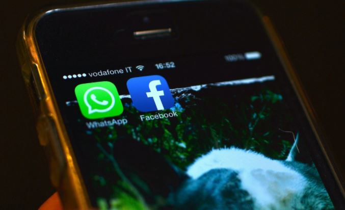 Facebook's WhatsApp messenger down for some users in India -social media