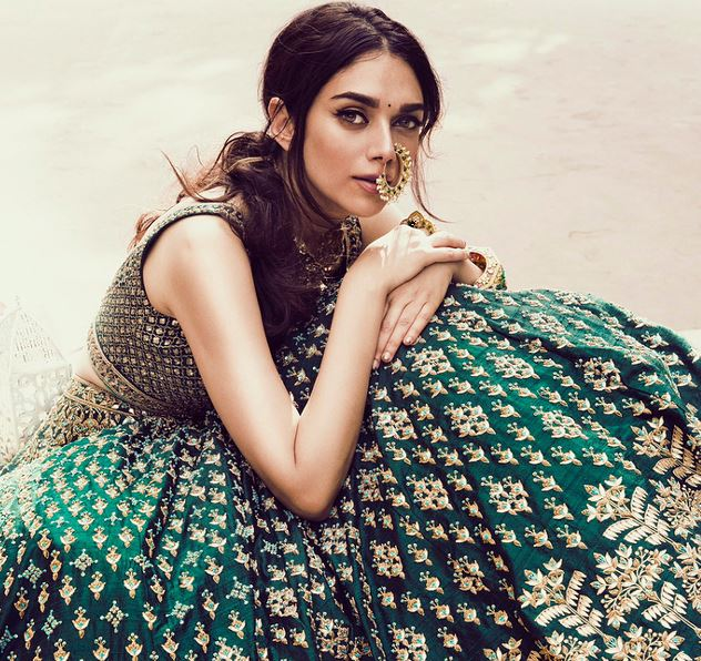 Bollywood: Bollywood celebrities who belong to ROYAL families