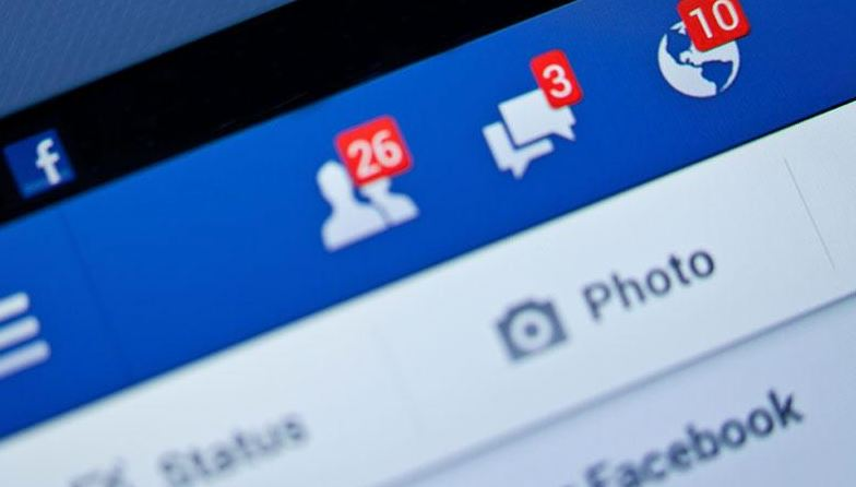 Facebook urges users to send nude pics to combat revenge porn