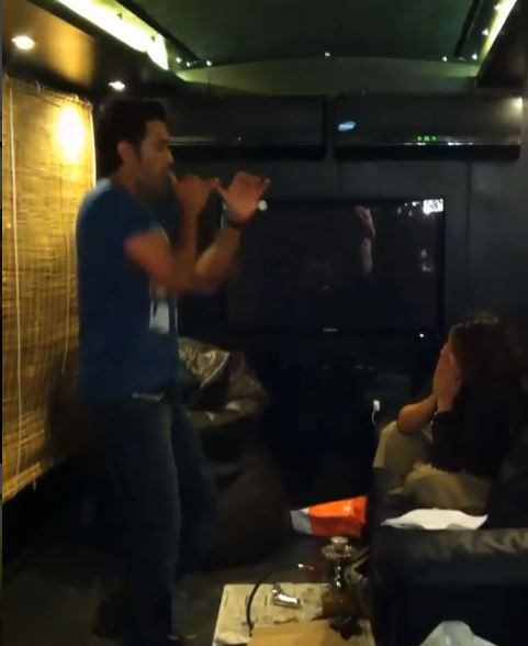 VIDEO: Sakshi laughs uncontrollably as Dhoni shakes a leg on a Bollywood song
