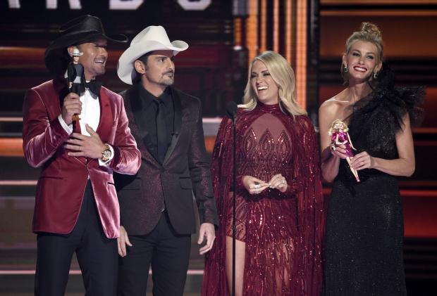 PHOTOS: CMA Awards highlighted by political, emotional moments