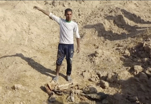 Mass graves found in IS-held area could contain up to 400 bodies