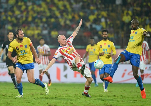 ISL, seeking Indian 'magic', sheds foreign stars