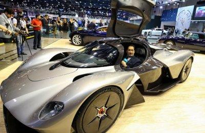 UAE Business Dubai Motor Show In Top Gear New Vehicles Unveiled - Car show dubai