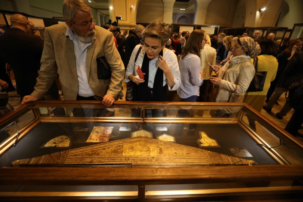 In Pictures: Egypt displays previously unseen King Tut artifacts