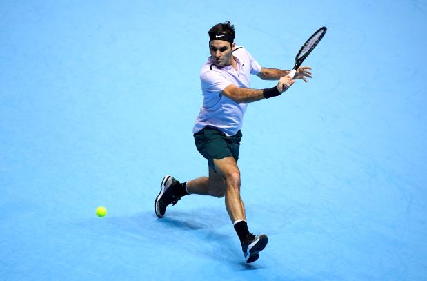 Roger Federer battles past Clic