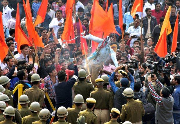 Film industry 'should boycott IFFI' over Padmavati row