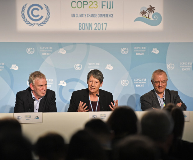 Climate meeting goes all night, ends after financing talks