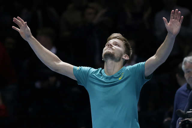 Goffin stuns Federer to reach final