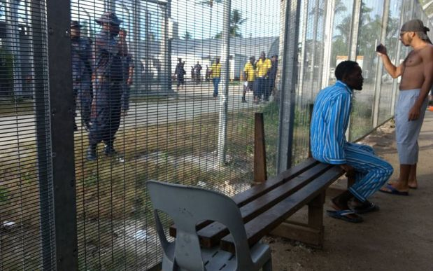 Papua New Guinea officials pressure refugees to leave camp