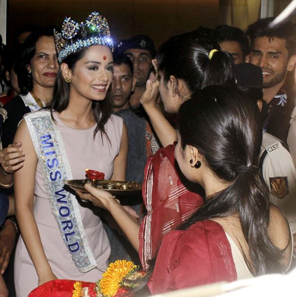 Celebs: PHOTOS: Thank you for all the love, says Manushi on arriving in India