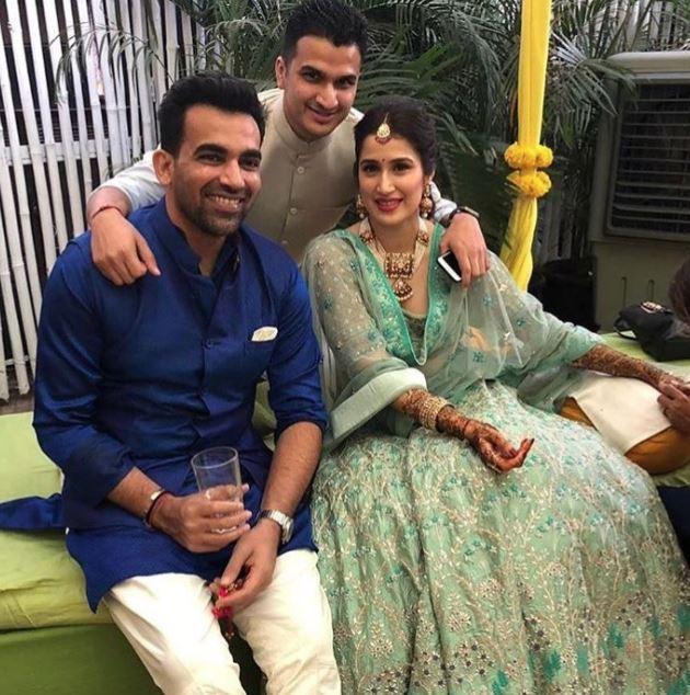 Celebs: Cricketers party hard at Zaheer Khan and Sagarika Ghatge's 'mehendi' ceremony!