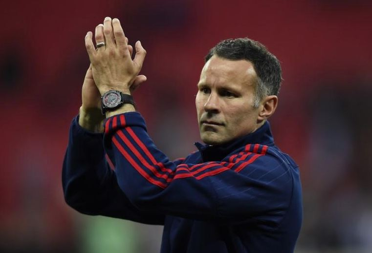 Giggs declares interest in Wales job