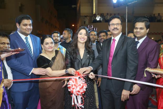 Photos & Video: Bollywood actress Tamannaah Bhatia inaugurates supermarket chain