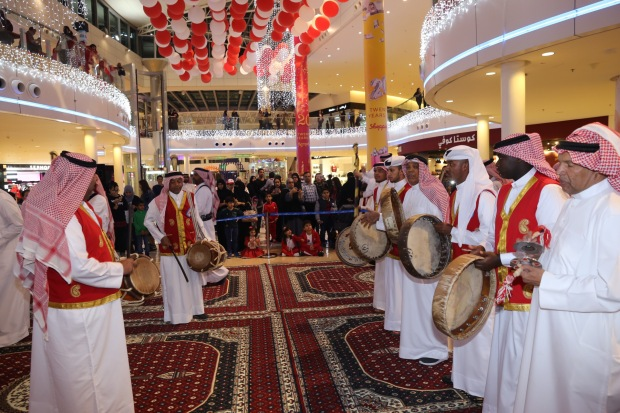 Bahrain News: IN PICTURES: Thousands witness spectacular show of patriotism at BIC