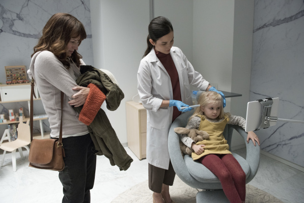 Jodie Foster goes behind the camera for 'Black Mirror' episode