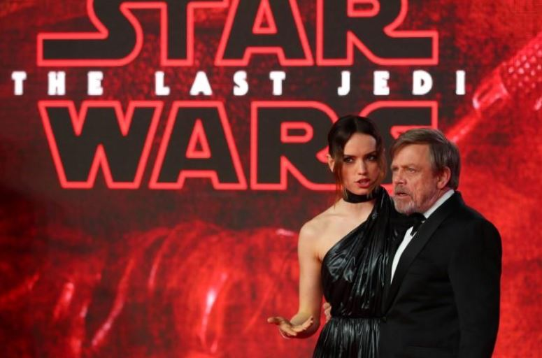 'Star Wars: The Last Jedi' Tops $1 Billion Worldwide