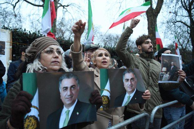 Trump vows 'support' for Iran protestors
