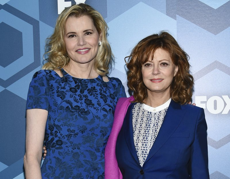 'Thelma & Louise' return! Davis, Sarandon reunite at Globes