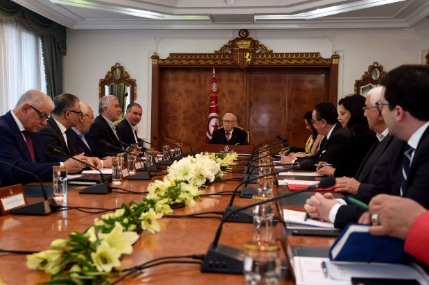 Tunisia president meets unions, employers after unrest