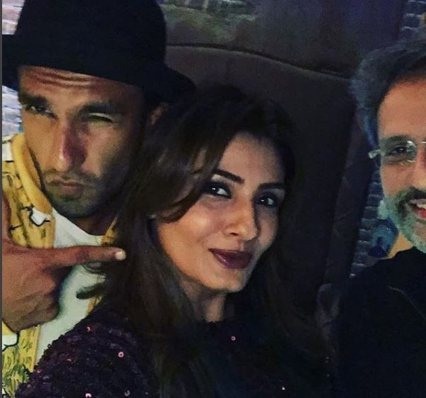 Bollywood: Shah Rukh and Gauri Khan host party for their friend Kaajal Anand at Mannat