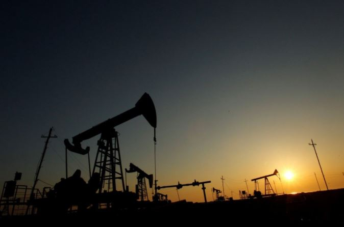 Brent crude oil rises to $70 on output cuts, ignores N.America rig gains