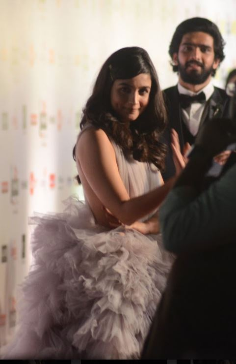 Bollywood: Candid, behind-the-scene photos and selfies from the Filmfare 2018 awards