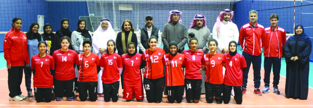 Other Sports: Shaikha Hayat meets women volleyball team ...