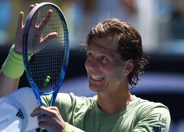 Australian Open: Berdych sweeps past Fognini into quarter-finals