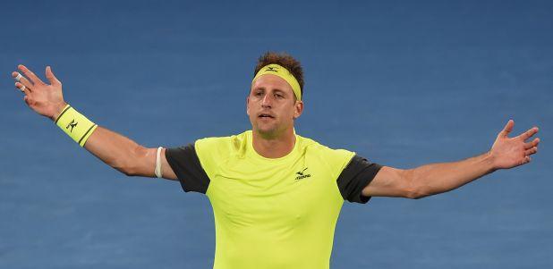 Australian Open: American Sandgren topples Thiem to keep Melbourne dream alive