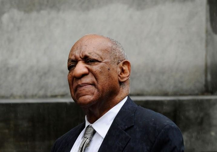 Cosby performs for first time since assault charge