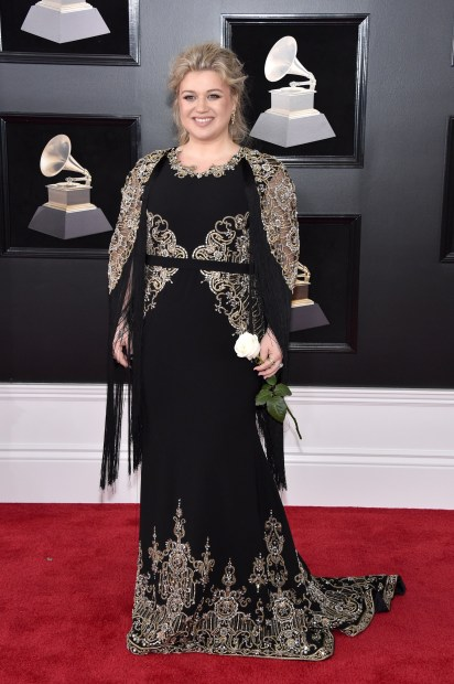 Celebs: Grammys Red Carpet: White roses for equality