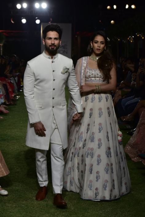 Bollywood: PICTURES: Shahid Kapoor and Mira Rajput showstoppers at Lakme Fashion Show
