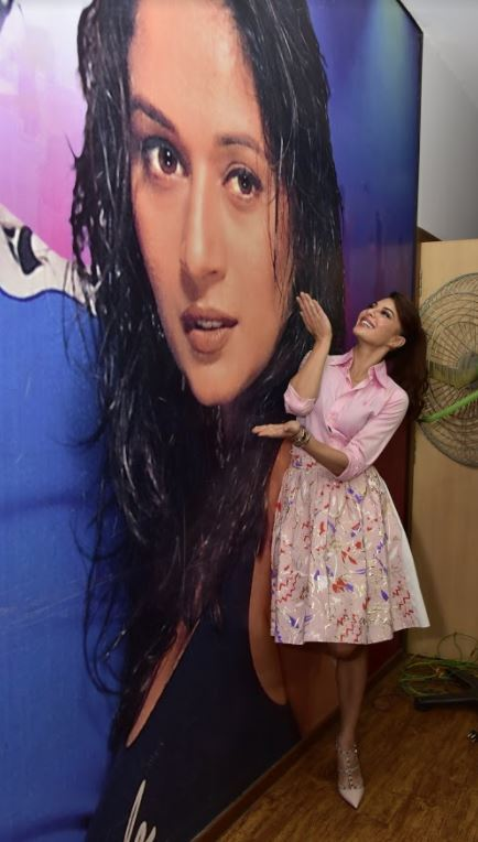 Bollywood: PHOTOS: Jacqueline Fernandez at the launch of iconic 'Ek Do Teen' song for Baaghi 2