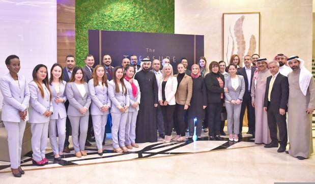 Bin Faqeeh hands over luxury homes