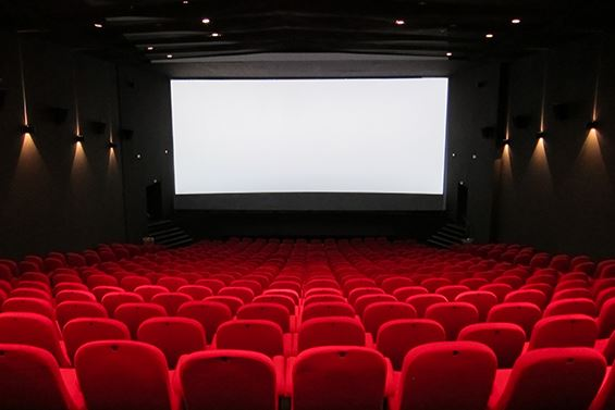 Agreement to construct 30 cinemas in Saudi signed