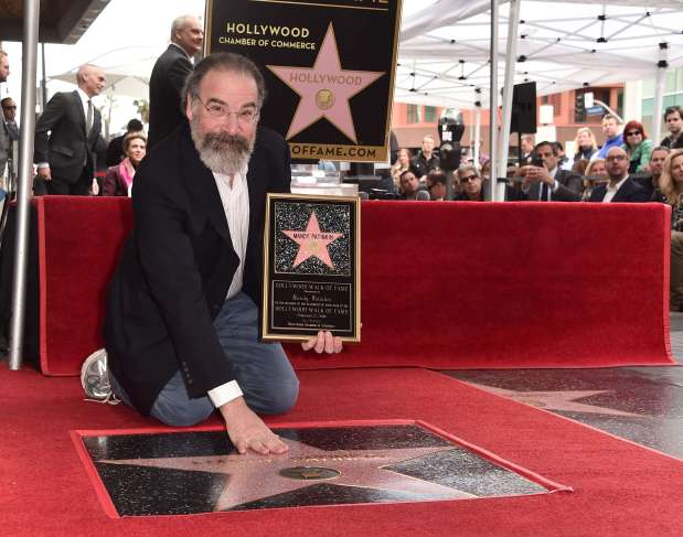 'Homeland' star Mandy Patinkin pleas for refugees
