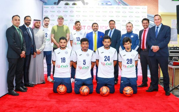 <p>Lulu Hypermarket has announced its support of the Al Najma Club football team for the current season. Club president Isa Hasan Alqattan and Lulu Hypermarket director for Egypt and Bahrain Juzer Rupawala unveiled the club football jersey emblazoned with the player number, club and Lulu logos at a ceremony. Above, hypermarket and club officials with some players sporting the new jersey.</p>