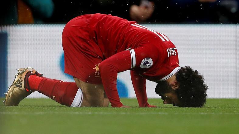 VIDEO: Salah mania prompts 'I'll be Muslim too' Liverpool chant