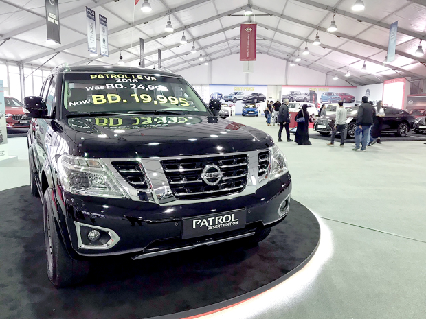 Nissan and Infiniti models attract attention at auto fair