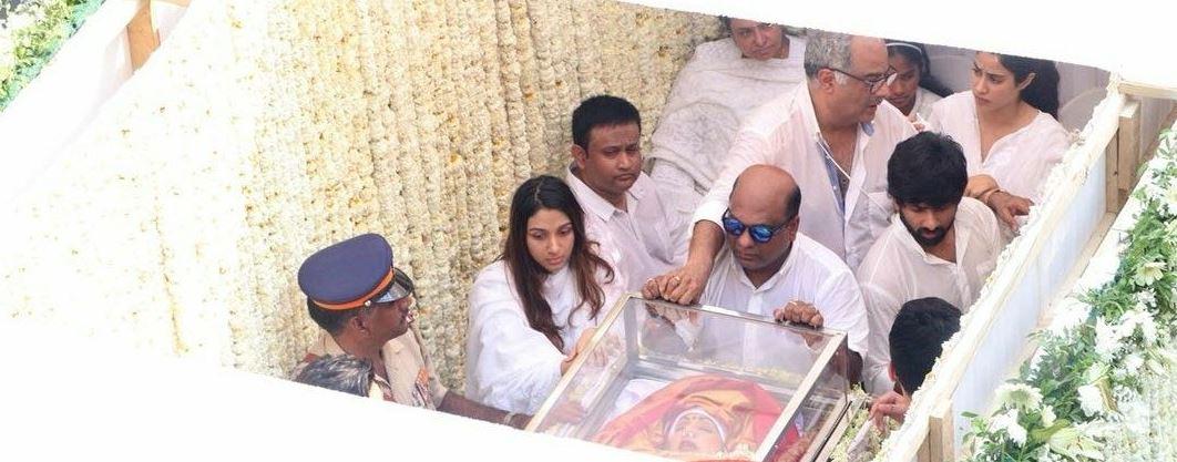 Sridevi cremated in Mumbai, fans and fellow actors gather at crematorium